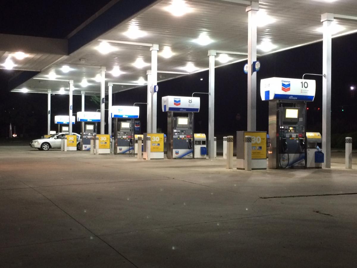 Gas Pump Top Digital Signage Enclosures Fuel Pump Top
